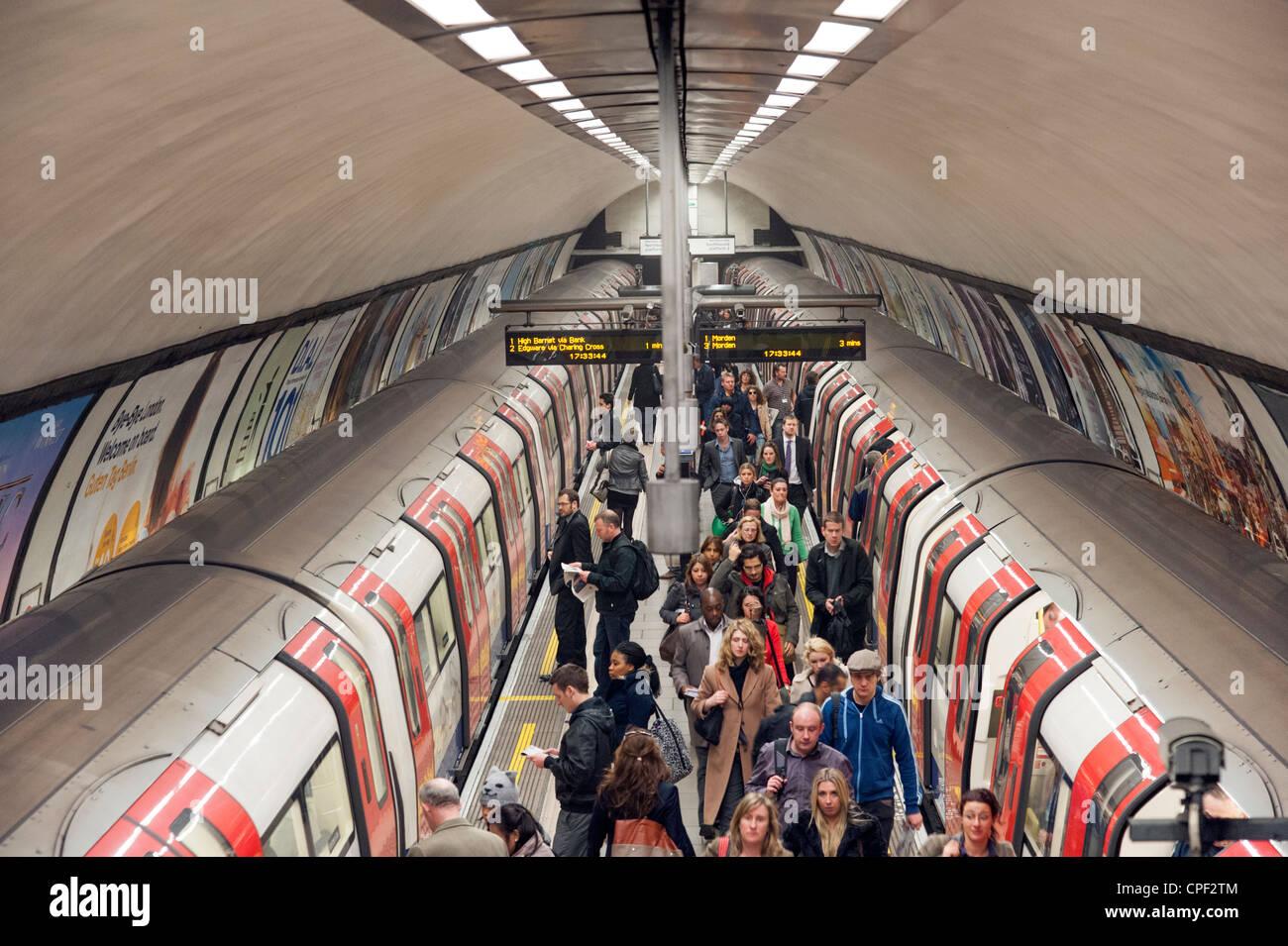 Rush hour at Clapham Common underground station, London, England, UK - Stock Image