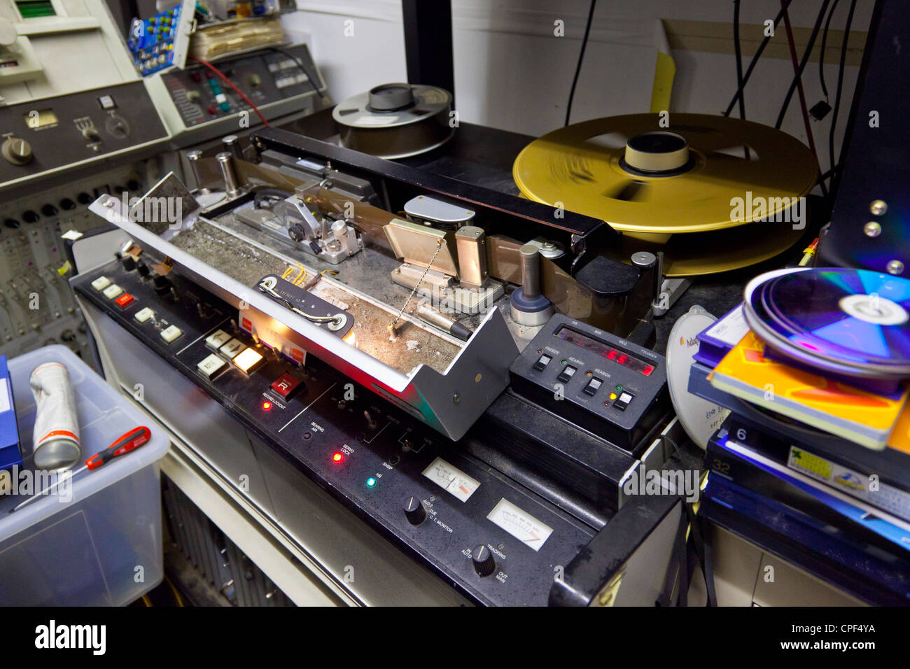 Vintage 2-inch quadruplex broadcast videotape recorder from 1970s. JMH6020 - Stock Image