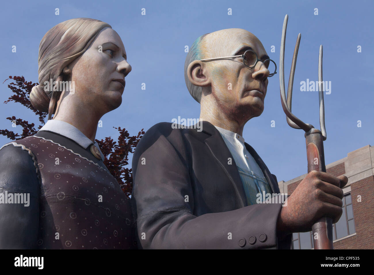 God Bless America sculpture by J Stewart Johnson after painting American Gothic by Grant Wood, Dubuque Art Museum, - Stock Image