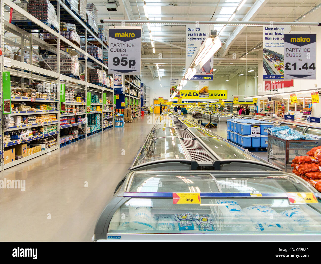 Makro cash and carry warehouse interior selling goods - Stock Image