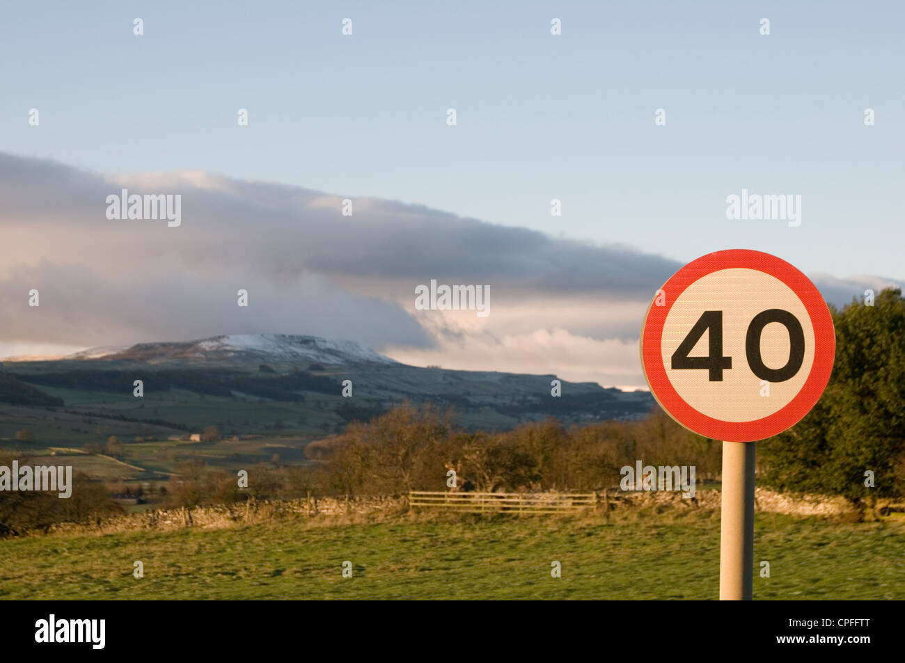 rural road roads speed limits limit country yorkshire dales speeding - Stock Image