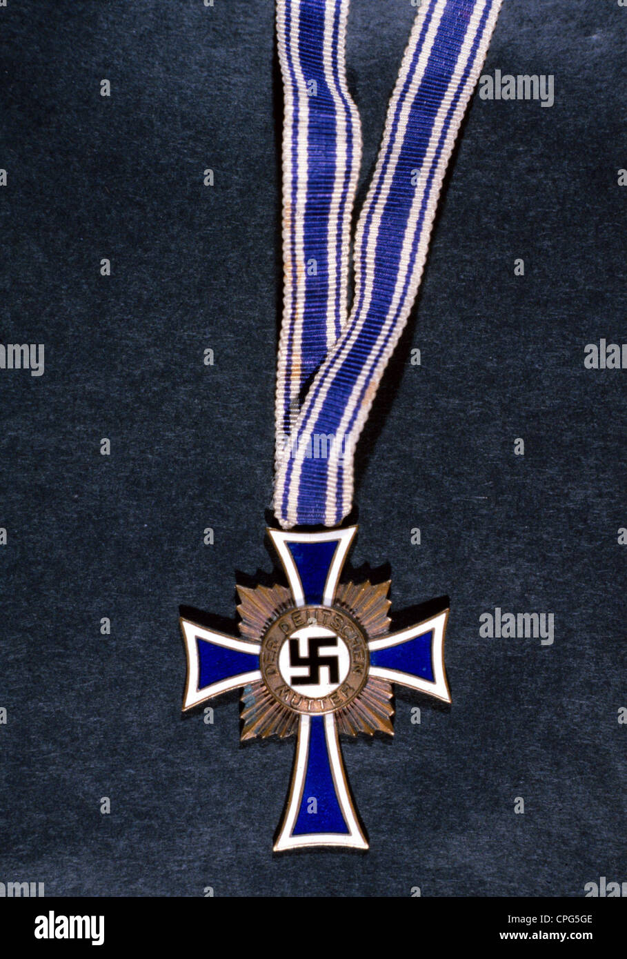 decorations, German Reich, Cross of Honor of the German Mother, established on 16.12.1938, version in bronze with - Stock Image