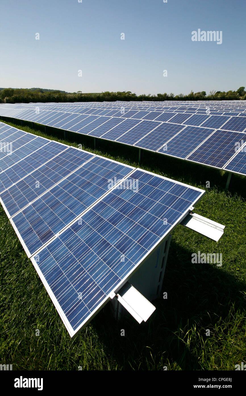 Green Energy Solar Farm Solar Panels Blackwater Newport Isle of Wight England UK Great Britain - Stock Image