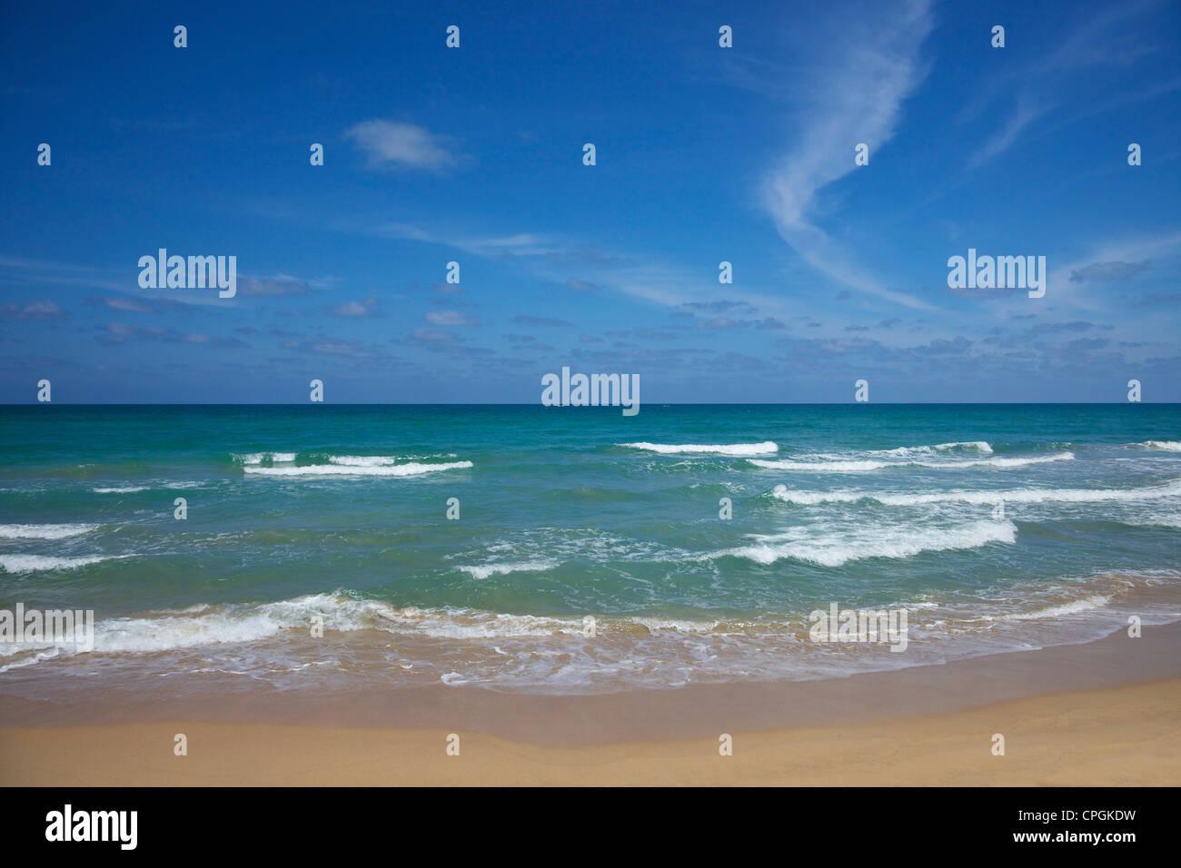 Nilaveli beach and the Indian Ocean, Trincomalee, Sri Lanka, Asia - Stock Image