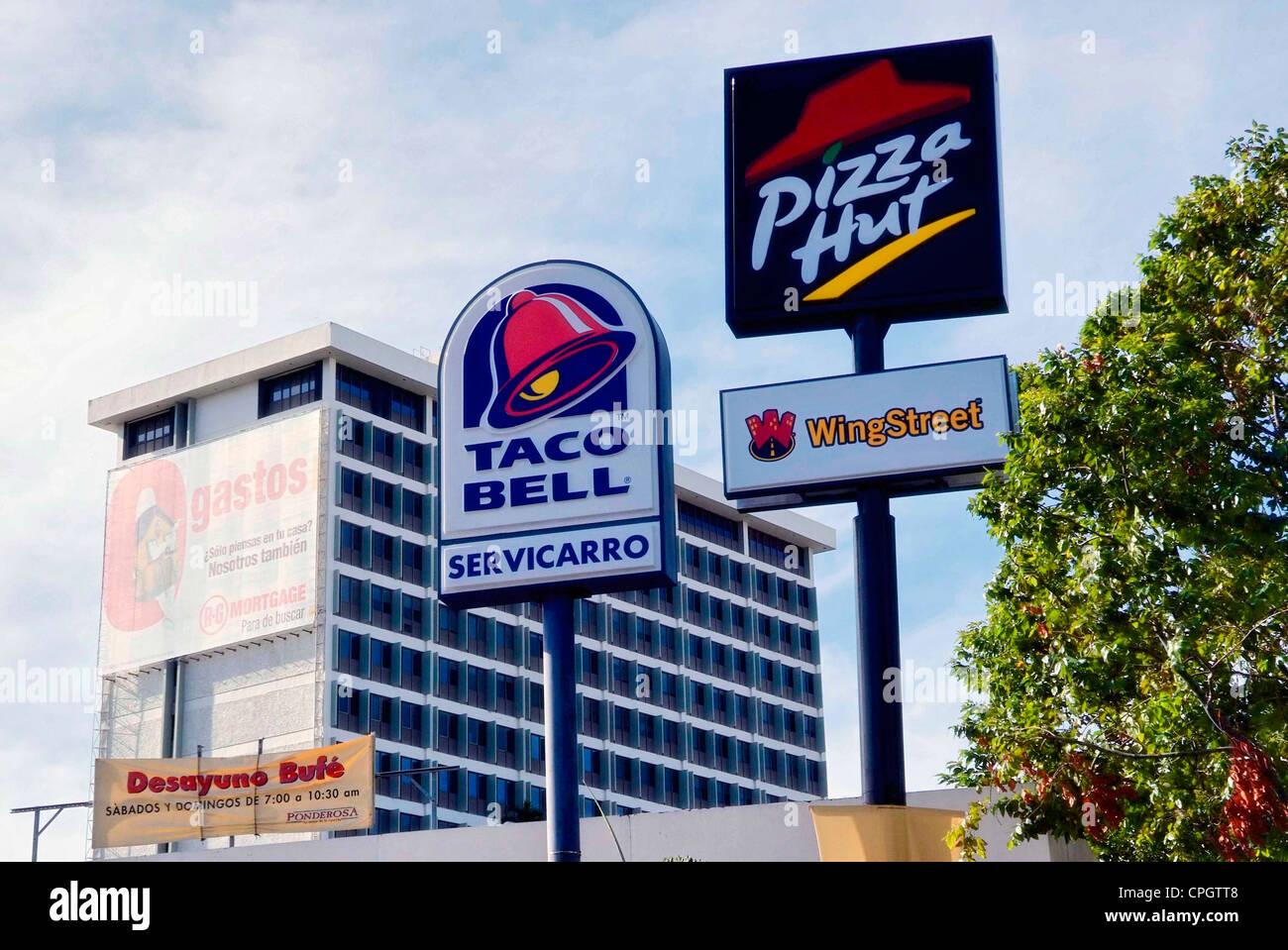 PUERTO RICO - SAN JUAN - Santurce US fast food signs - Stock Image