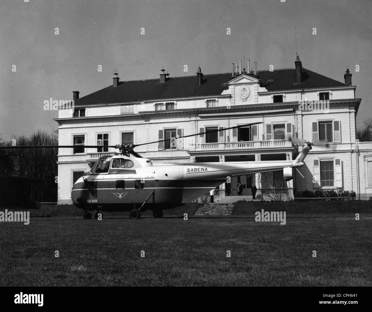 geography / travel, Belgium, Bruxelles, Stuyvenberg Palace, exterior view, main entrance, 1950s, in front a Sikorsky Stock Photo