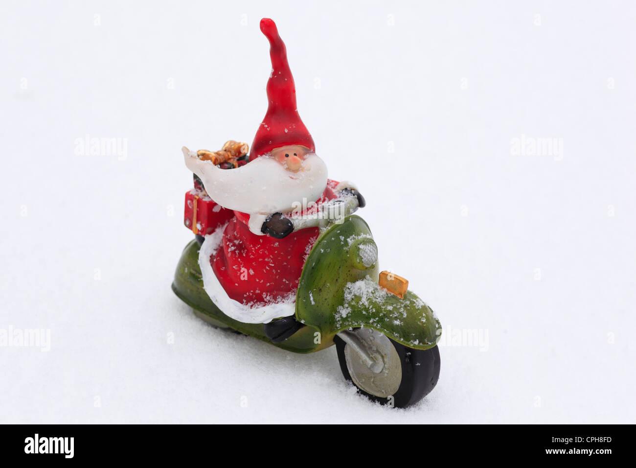 1, beard, whiskers, Santa, Santa Claus, decoration, figure, present,  presents, gift parcel, parcel, speed, caricature, cold, man