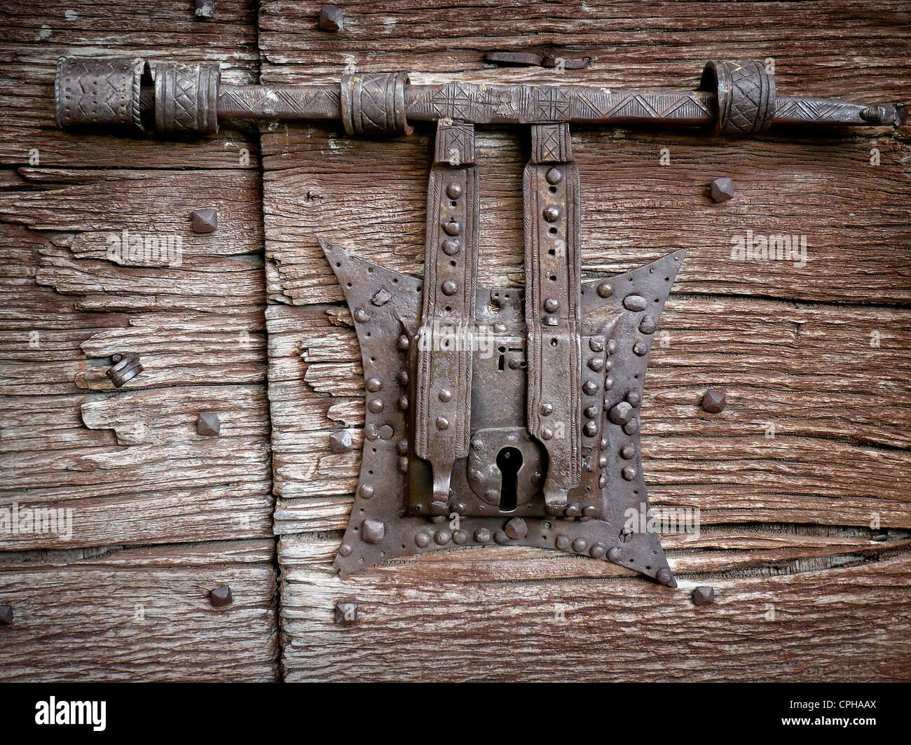 Medieval Door Lock Stock Photos Amp Medieval Door Lock Stock