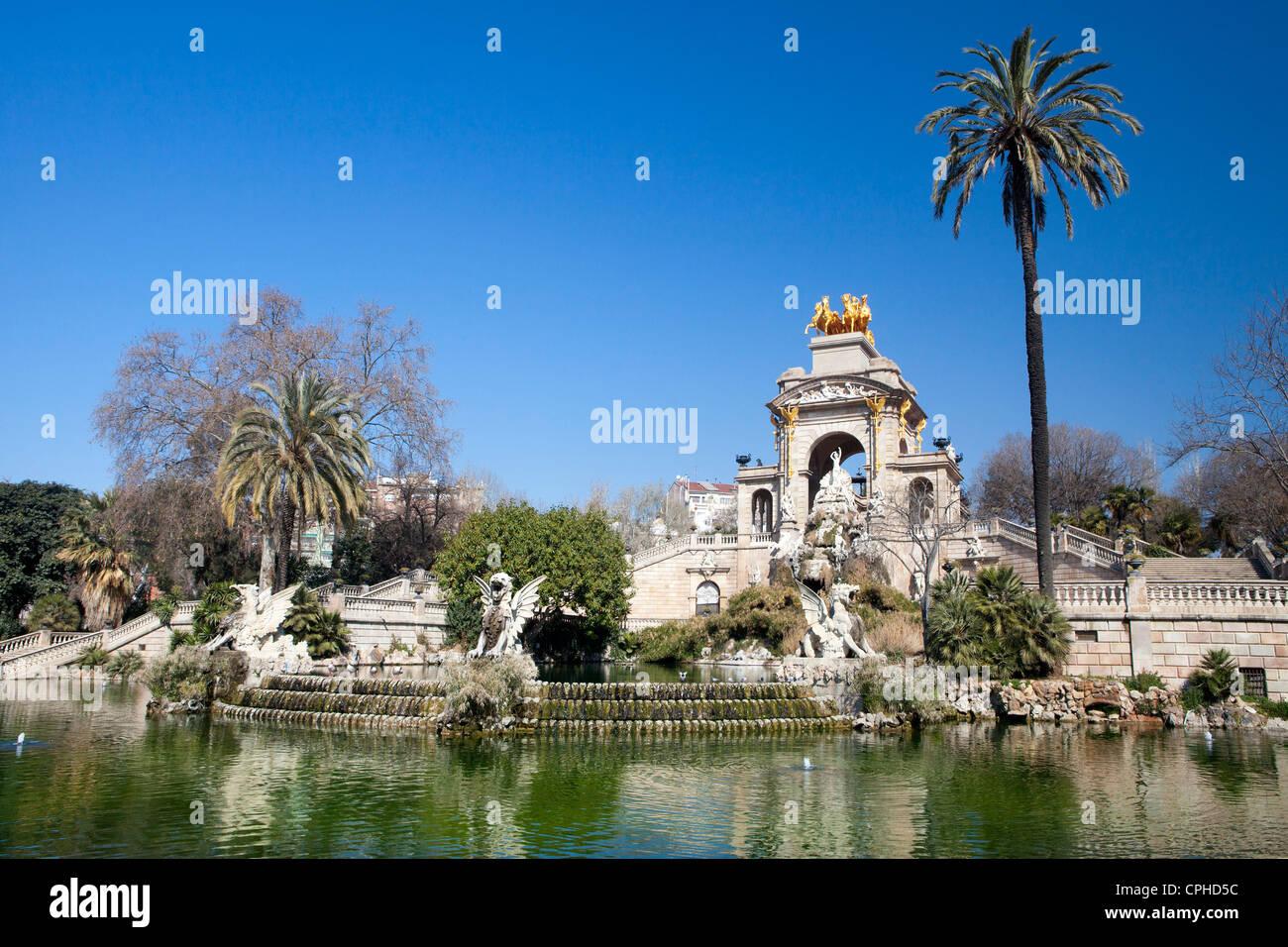 barcelona spain europe gaudi architecture ciutadella famous