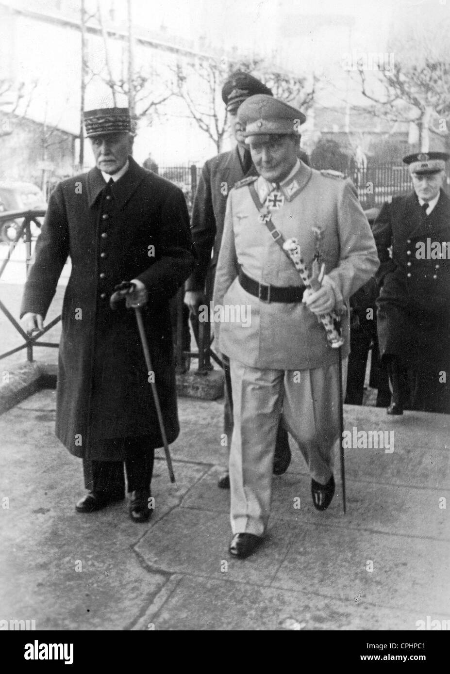 Hermann Goering and Marshal Petain in St. Florentin, France, December 1941 (b/w photo) - Stock Image