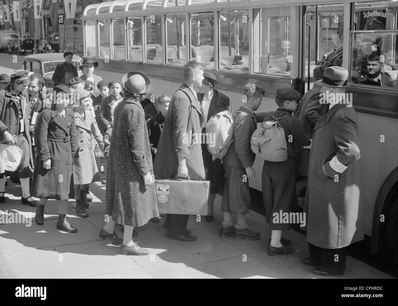 Kinderlandverschickung (sending children to the countryside) in Berlin, 1941 - Stock Image