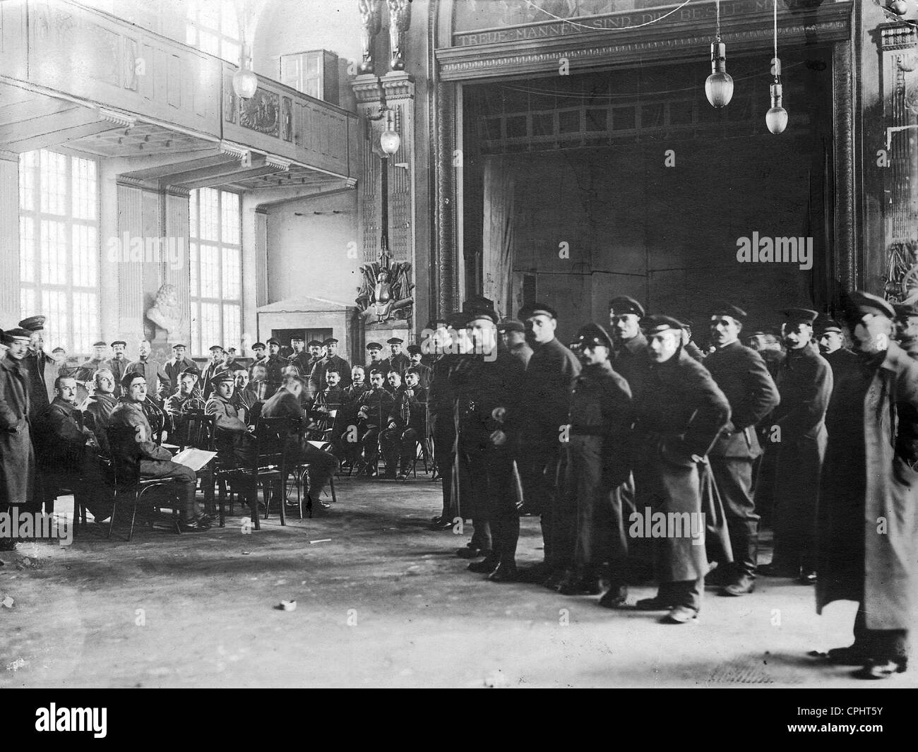 Rebelling sailors in the stables in Berlin, 1918 - Stock Image