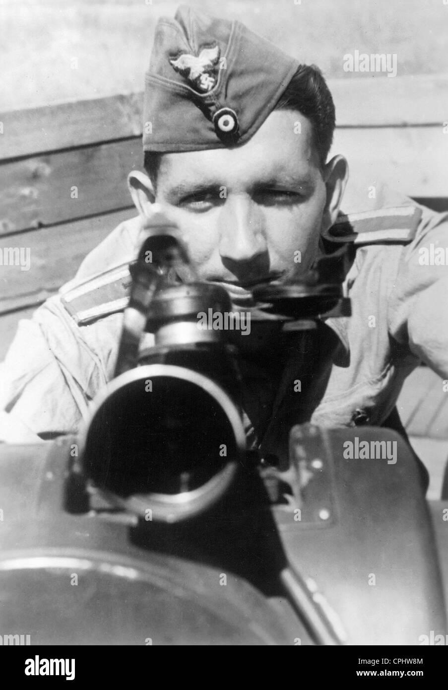 German Flak soldier at a rangefinder, 1942 - Stock Image