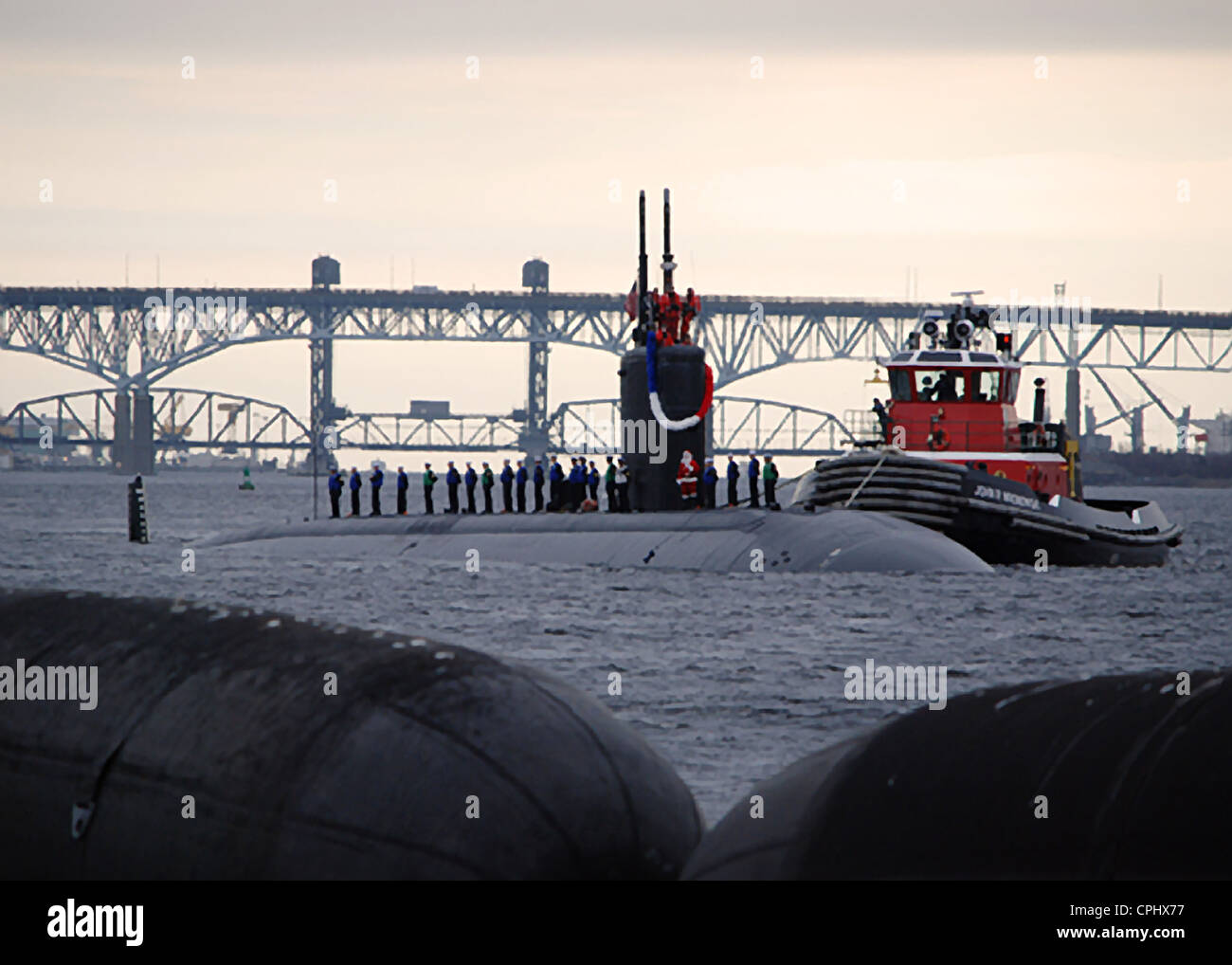 The Los Angeles-class nuclear powered fast attack submarine USS Miami (SSN 755) returns home to Submarine Base New - Stock Image