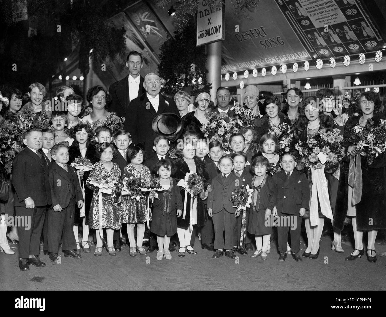 Lord Lonsdale and runtish circus people - Stock Image