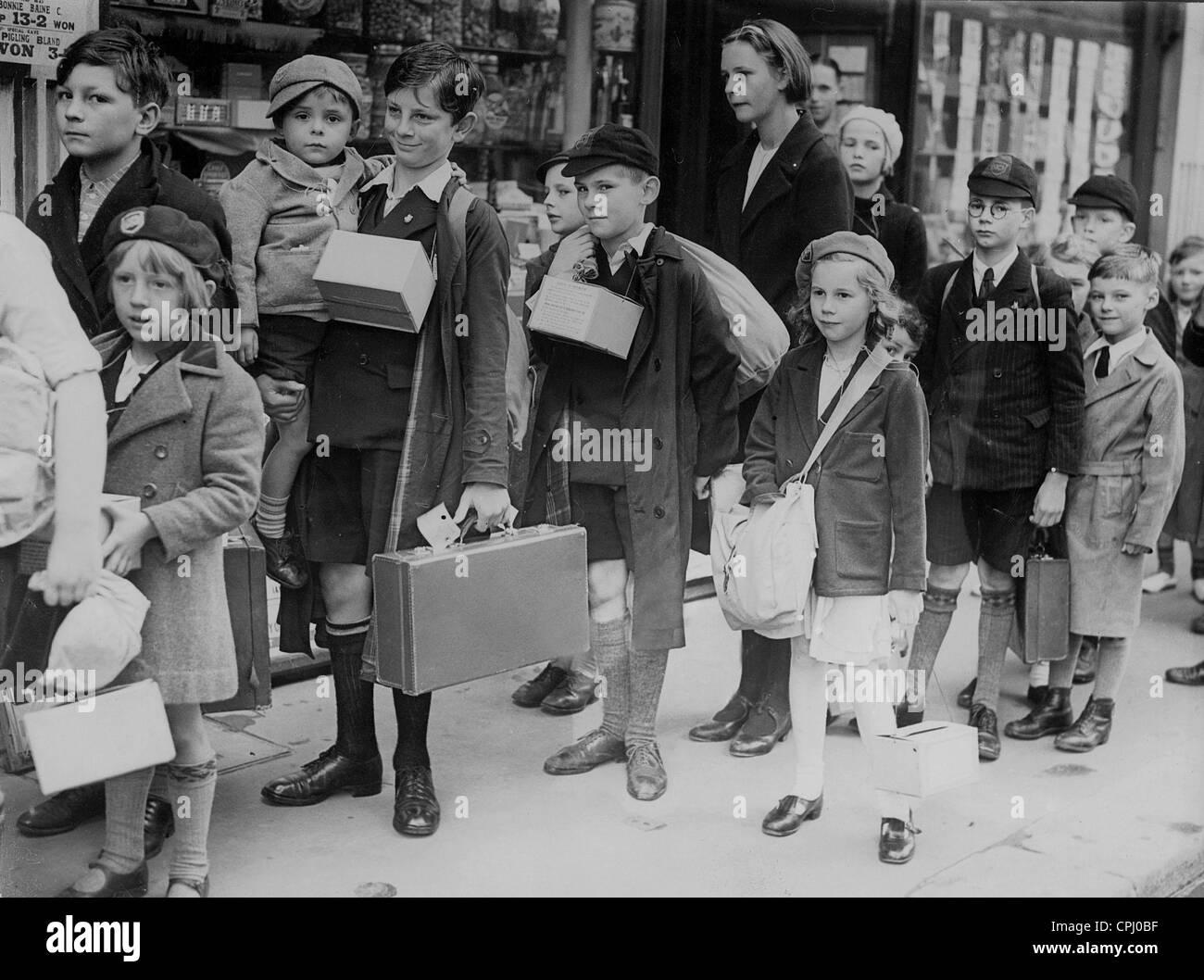 English children are evacuated, 1939 - Stock Image