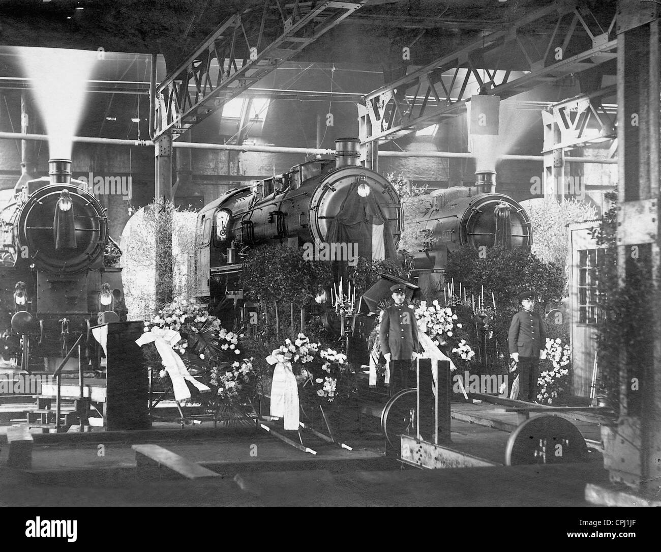 Engine Shed Black and White Stock Photos & Images - Alamy