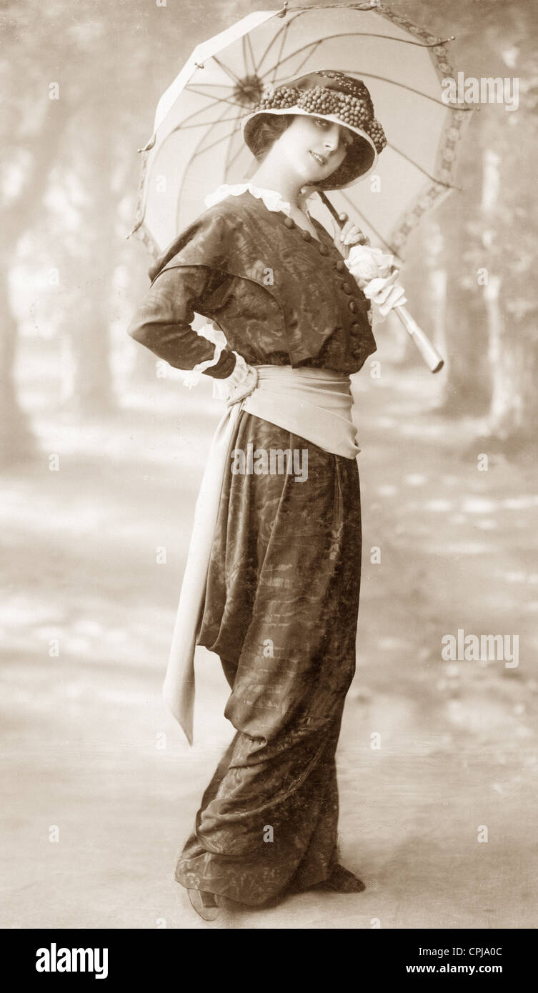 Clothing Fashion In 1902 High Resolution Stock Photography and ...