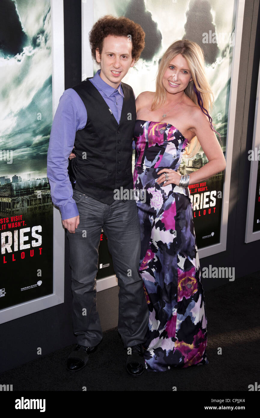 Josh Sussman and Tess Hunt arrive at the Special Fan Screening of Chernobyl Diaries at the Cinerama Dome in Hollywood. - Stock Image