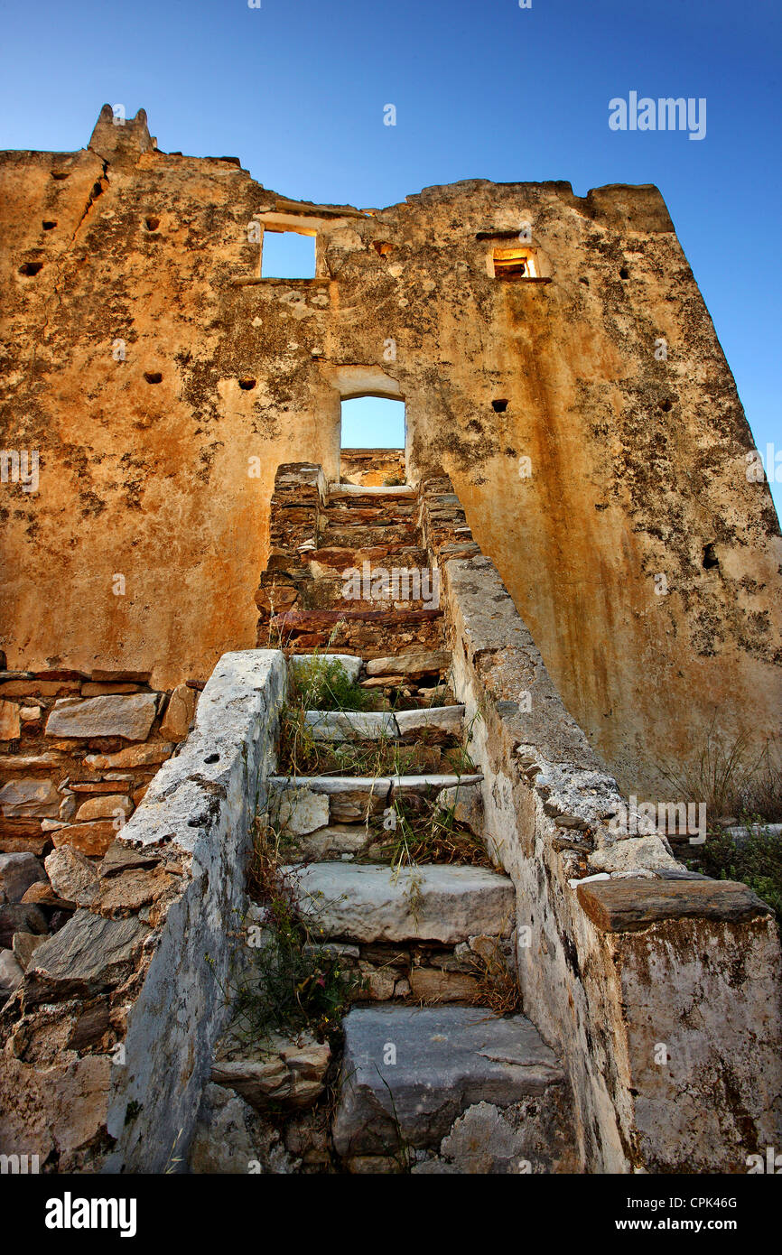 The abandoned tower of Agia, on the northwest of Naxos island, Cyclades, Greece - Stock Image