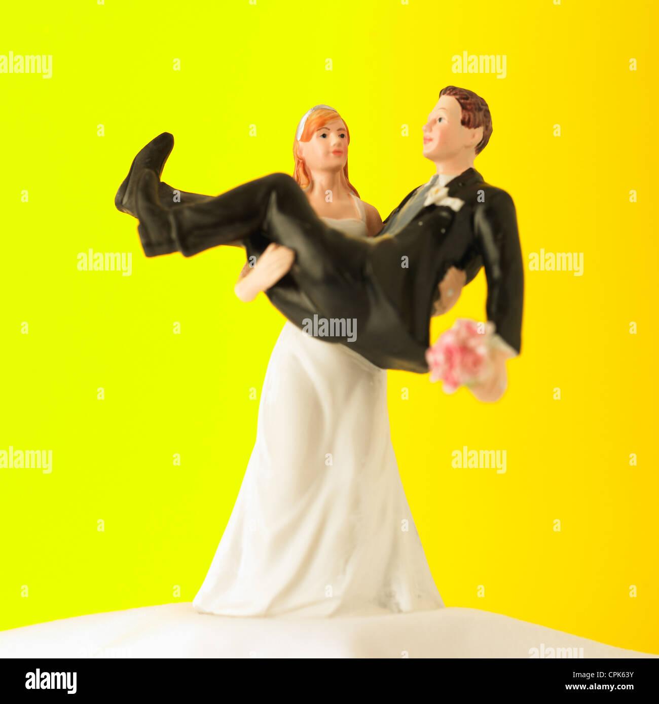 Wedding Cake Topper Stock Photos & Wedding Cake Topper Stock Images ...