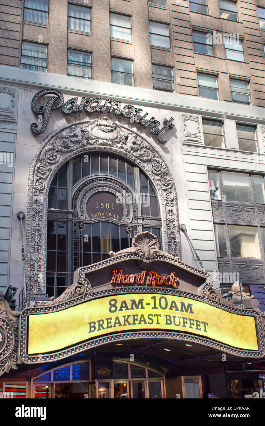 The original Paramount Theater in New York City, now the site of a Hard Rock Cafe - Stock Image