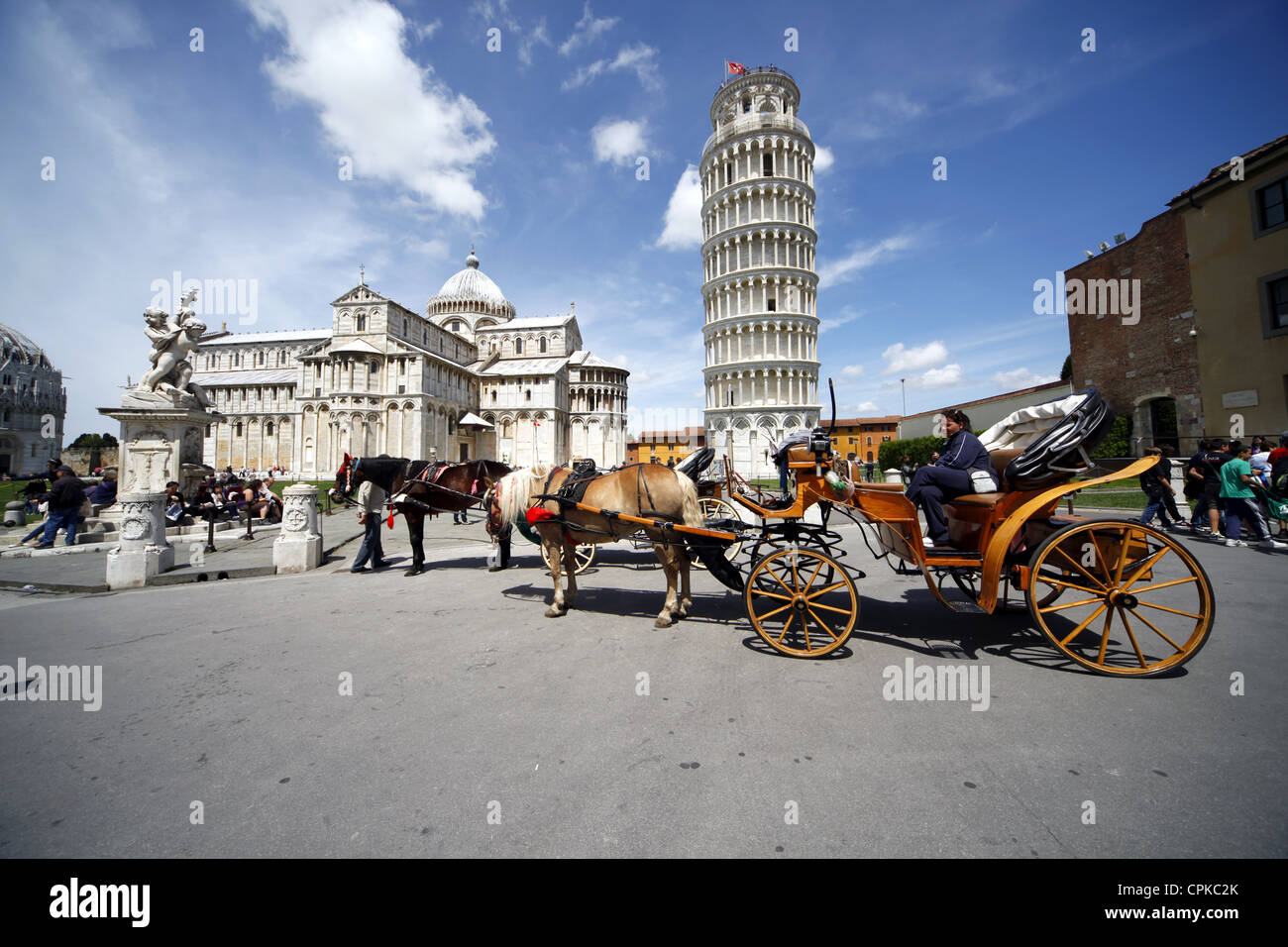 HORSE CARRIAGE ST MARY'S CATHEDRAL & LEANING TOWER PISA TUSCANY ITALY 08 May 2012 - Stock Image
