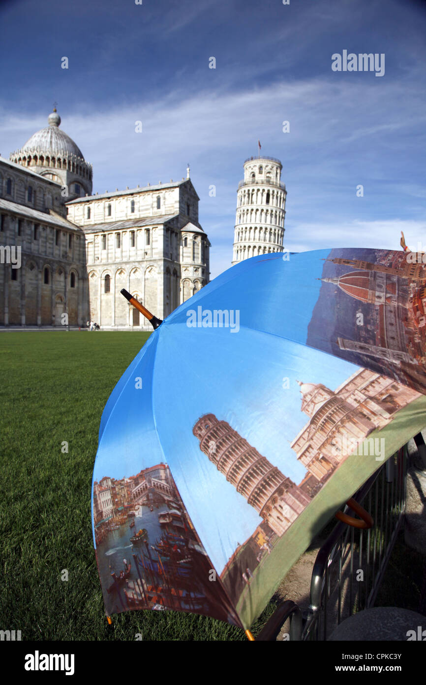 PHOTOGRAPHIC UMBRELLA ST MARY'S CATHEDRAL LEANING TOWER PISA TUSCANY ITALY 09 May 2012 - Stock Image