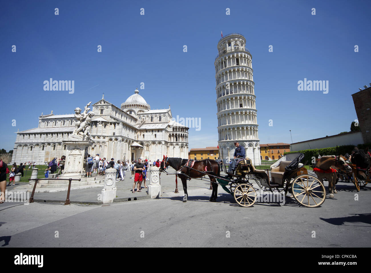 HORSE & CART ST. MARY'S CATHEDRAL & LEANING TOWER PISA TUSCANY ITALY 11 May 2012 - Stock Image
