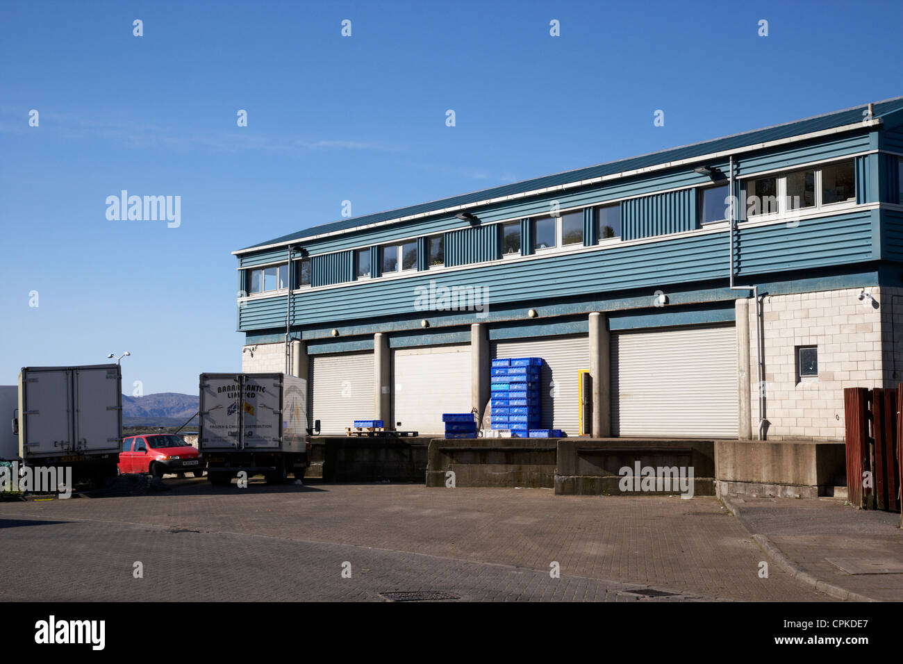 caley group fisheries office and fish auctioneers warehouse oban scotland - Stock Image