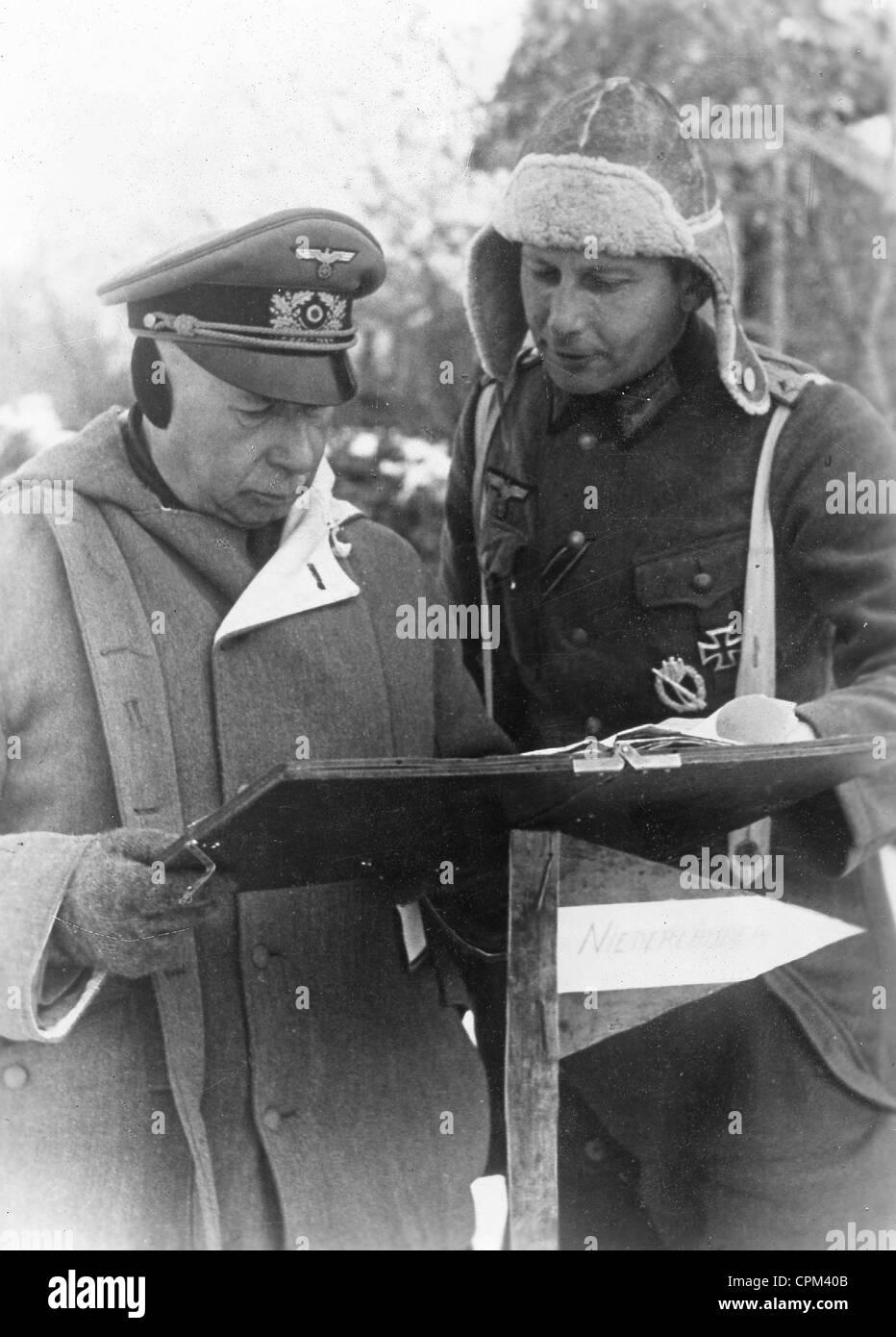 Lieutenant General Lucht with Captain Horst Niederlaender, 1943 Stock Photo