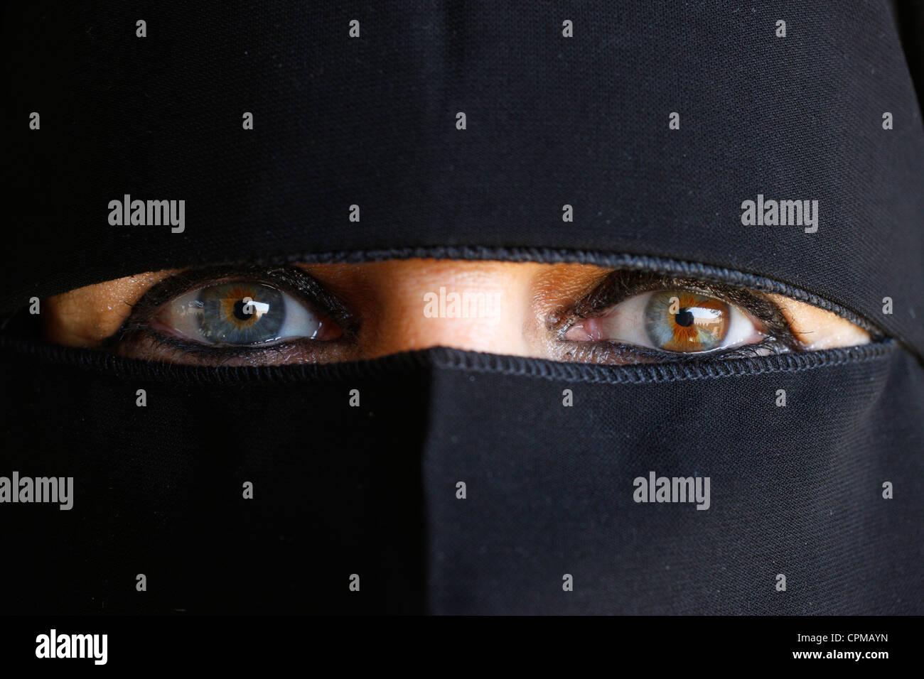 MUSLIM WOMAN - Stock Image