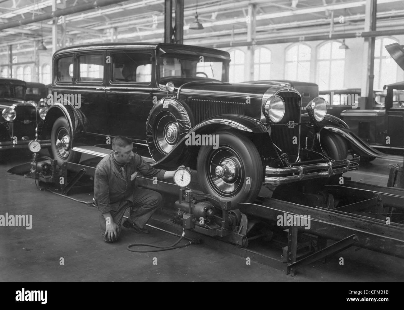 Car production at the General Motors in Berlin - Borsigwalde, 1929 - Stock Image