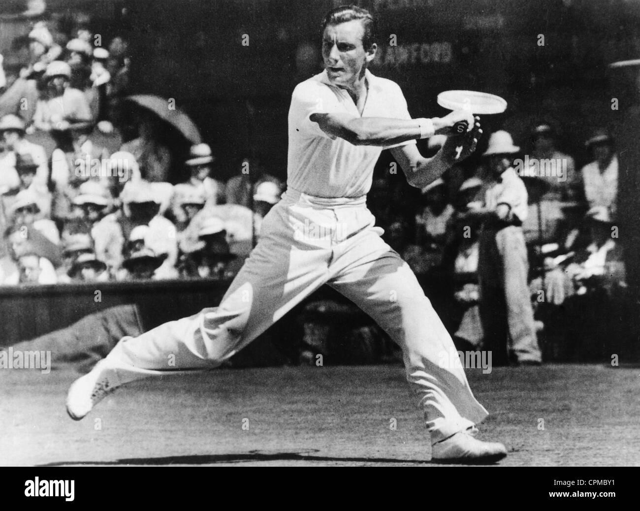 Fred Perry in the final at Wimbledon, 1934 - Stock Image