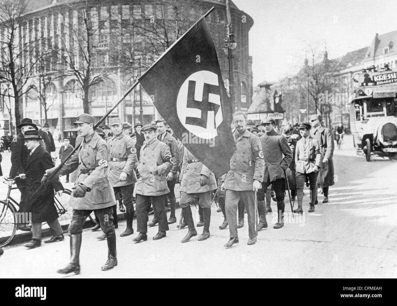 National Socialists march in B...