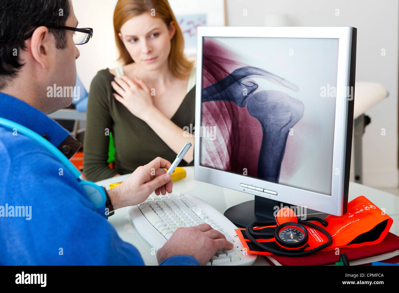 ORTHOPEDICS CONSULTATION WOMAN - Stock Image