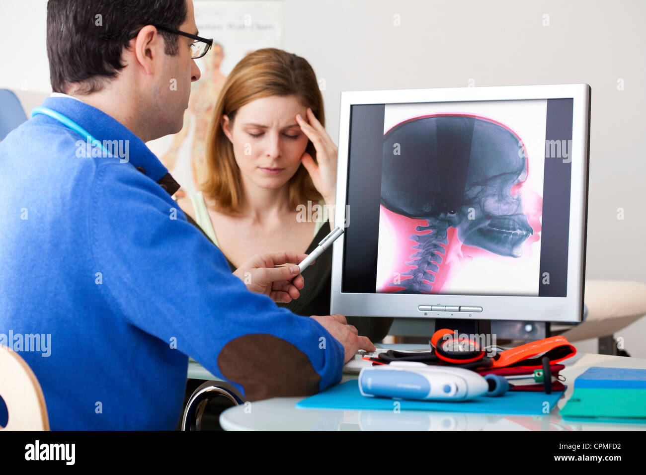 NEUROLOGY CONSULTATION WOMAN - Stock Image