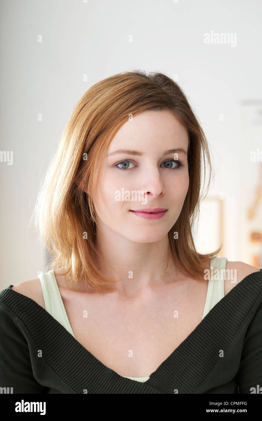 PORTRAIT OF A WOMAN, 20/30 - Stock Image