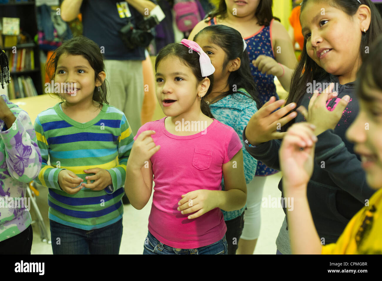 First and second grade Arabic class in New York Stock Photo