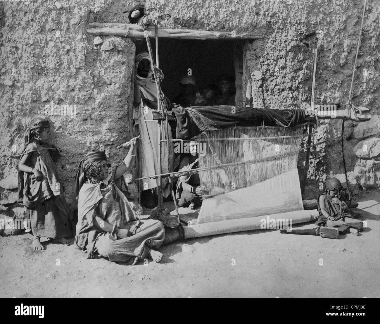 Weaving in Algeria, 1905 - Stock Image