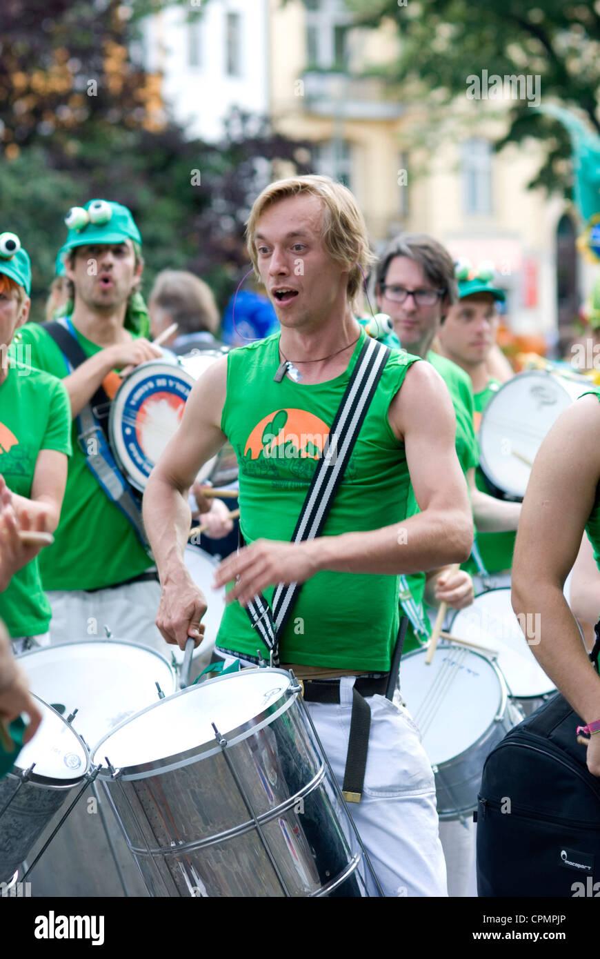 Karneval der Kulturen Berlin 2012 Samba - Stock Image