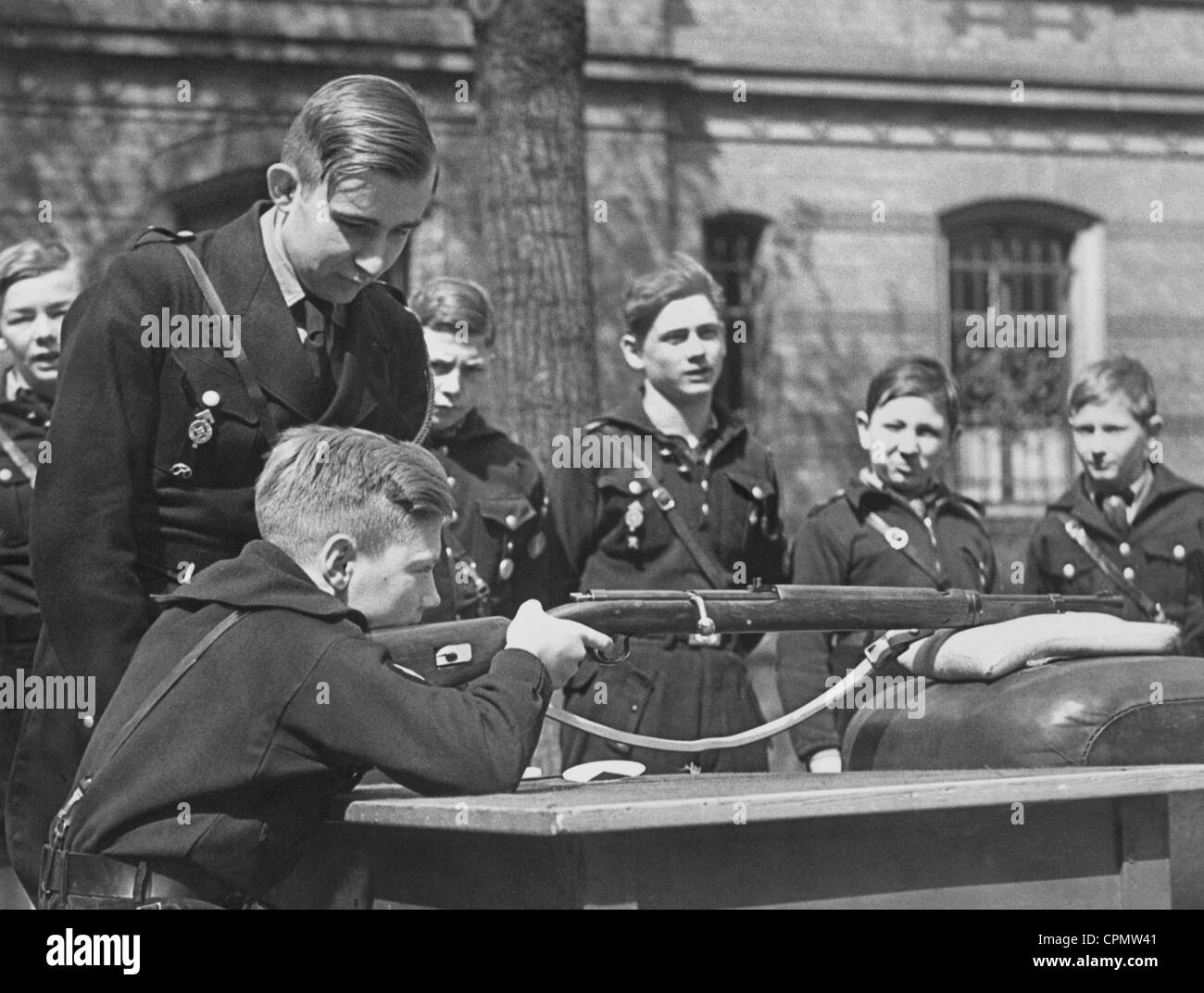 Weapons training of the Hitler Youth - Stock Image