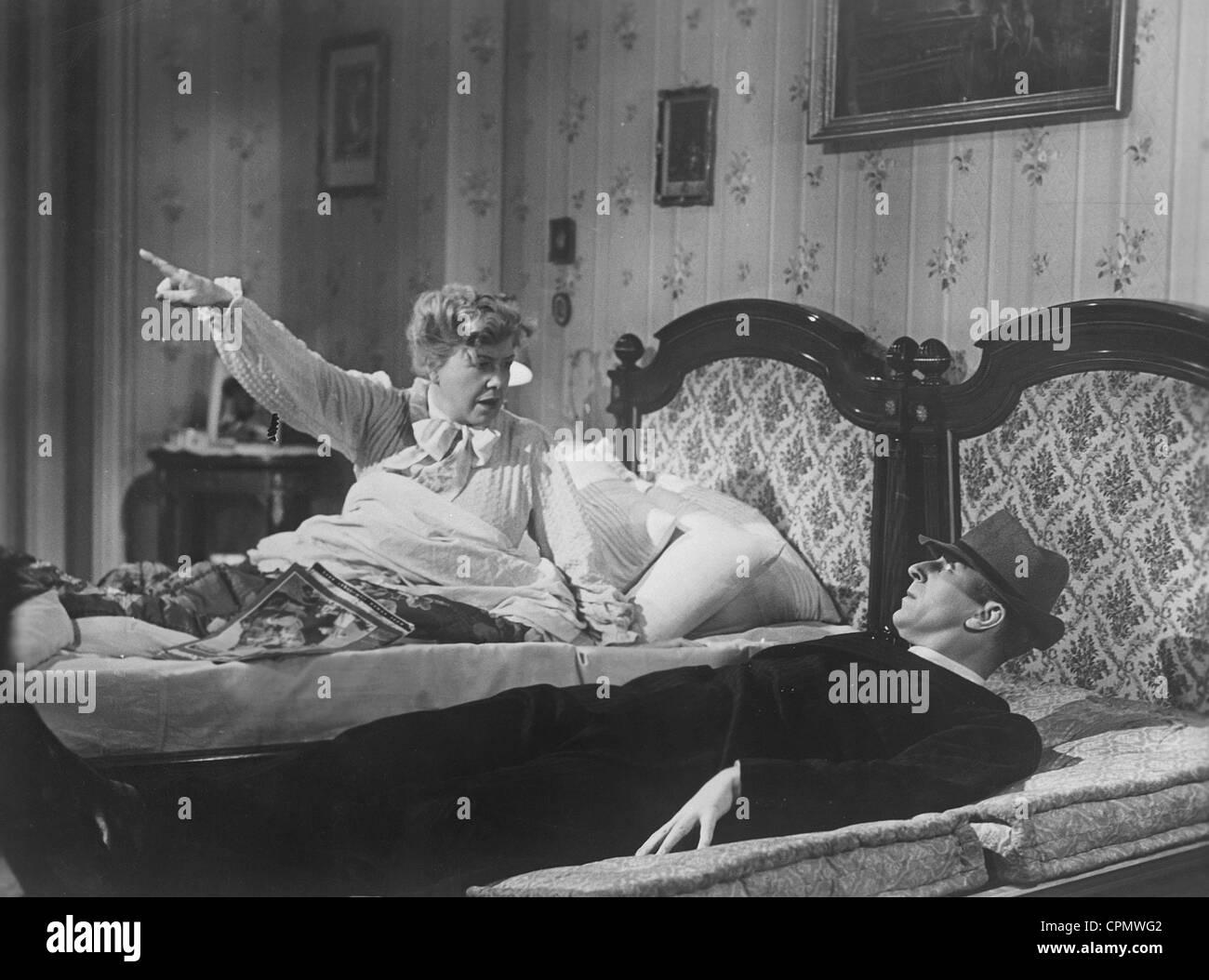Ida Wuest and Theo Lingen in 'Seven Years Bad Luck', 1940 Stock Photo