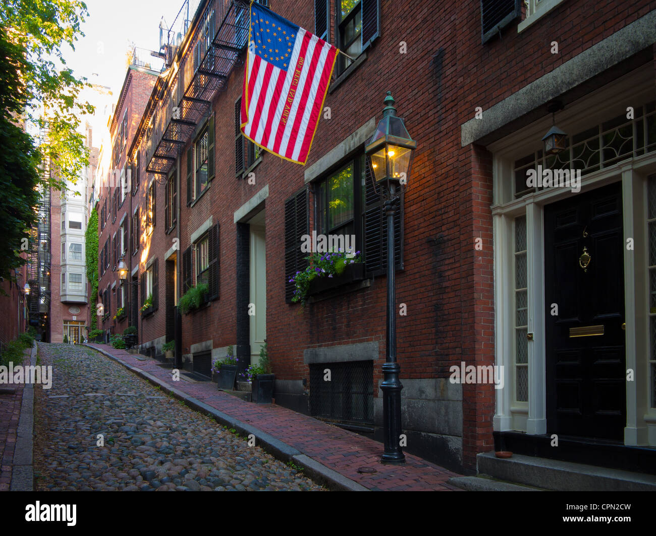Acorn Street in Boston's Beacon Hill historic neighborhood - Stock Image