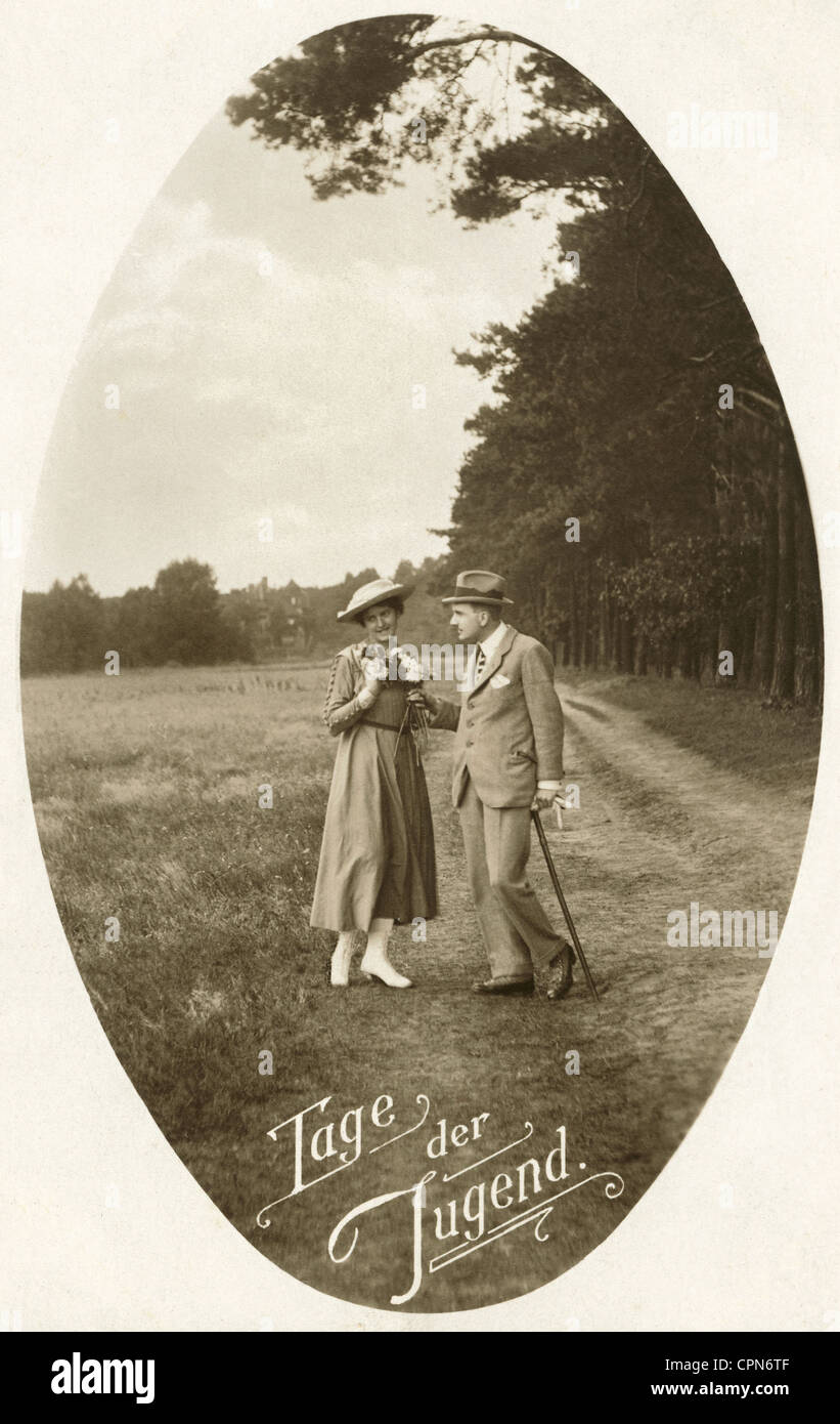 people, couples, 'Tage der Jugend' (days of adolescence), couple during a rendezvous in the open nature, - Stock Image