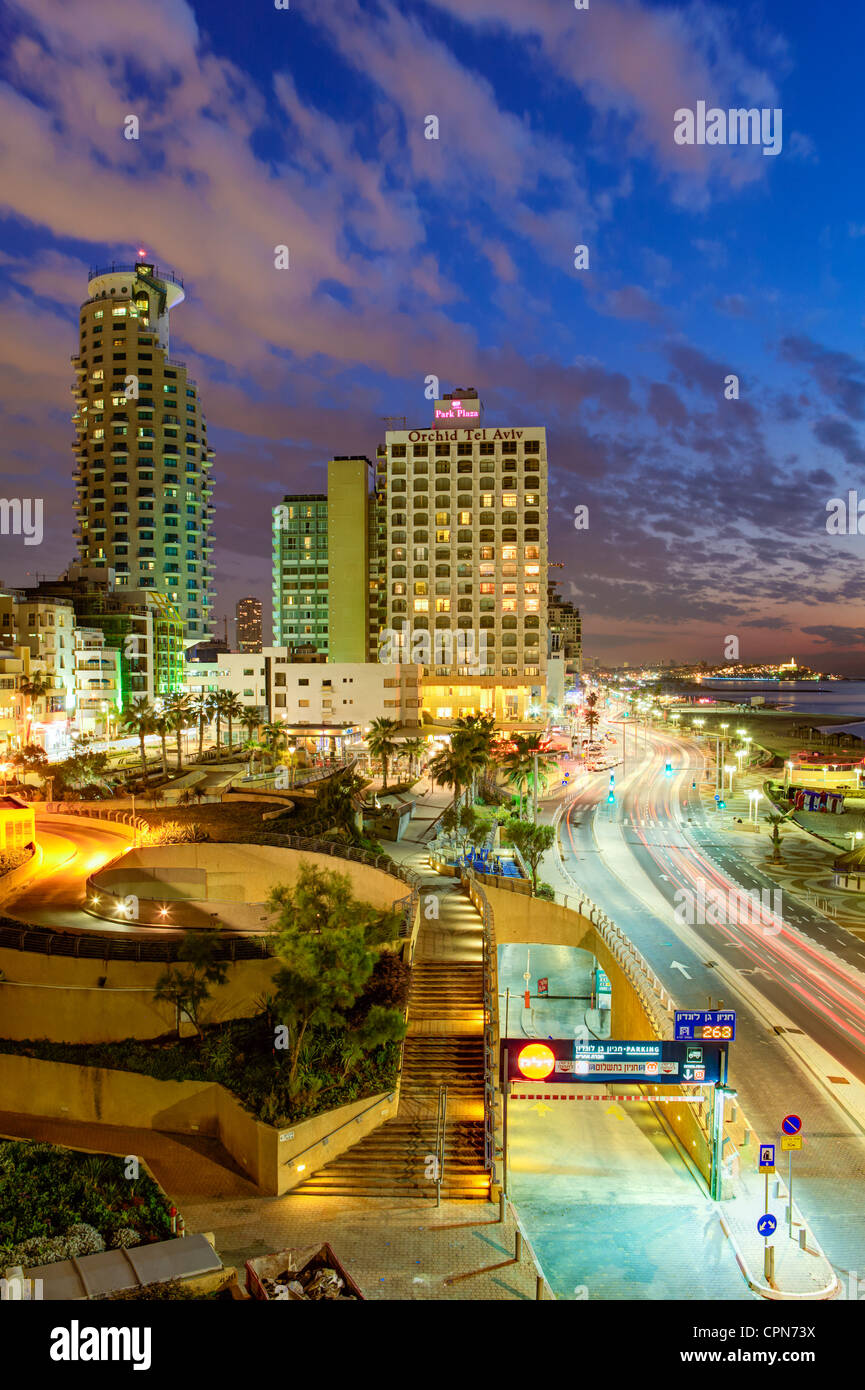 Middle East, Israel, Tel Aviv, elevated dusk view of the city beachfront - Stock Image