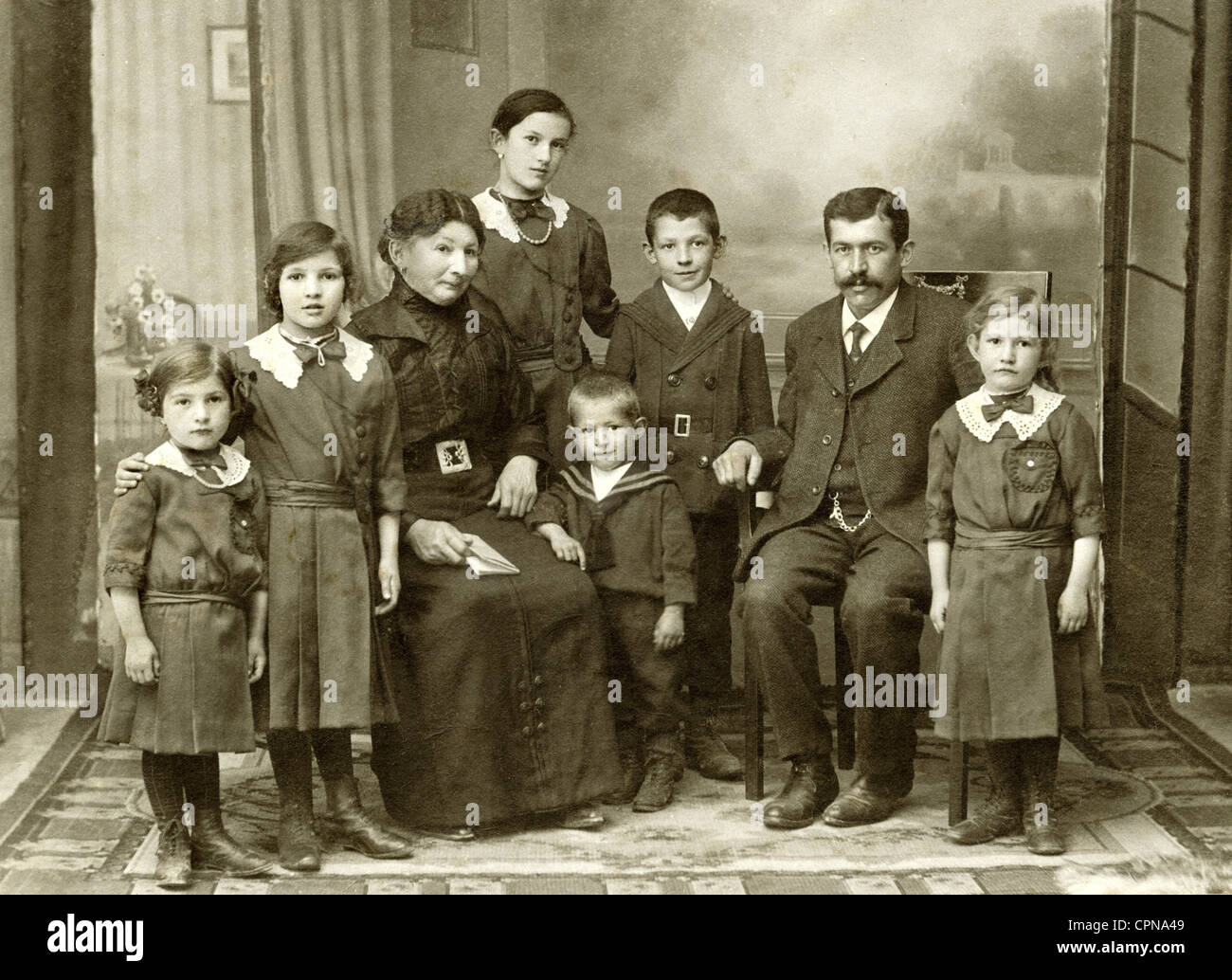 people, family, parents with six children, group picture, Kempten, Allgaeu, Germany, circa 1900, people with many - Stock Image