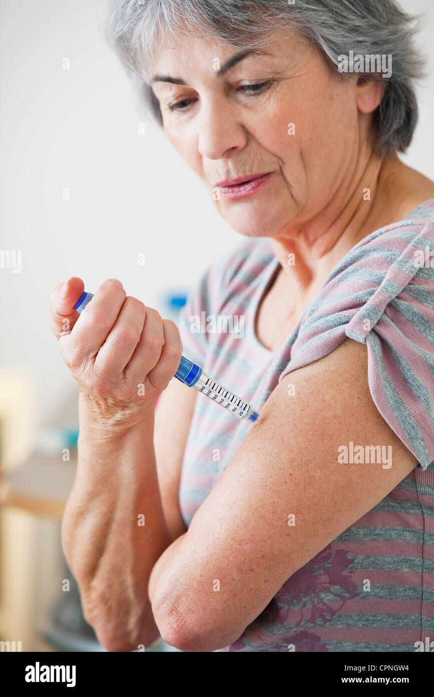TREATING DIABETES IN ELDERLY P. - Stock Image