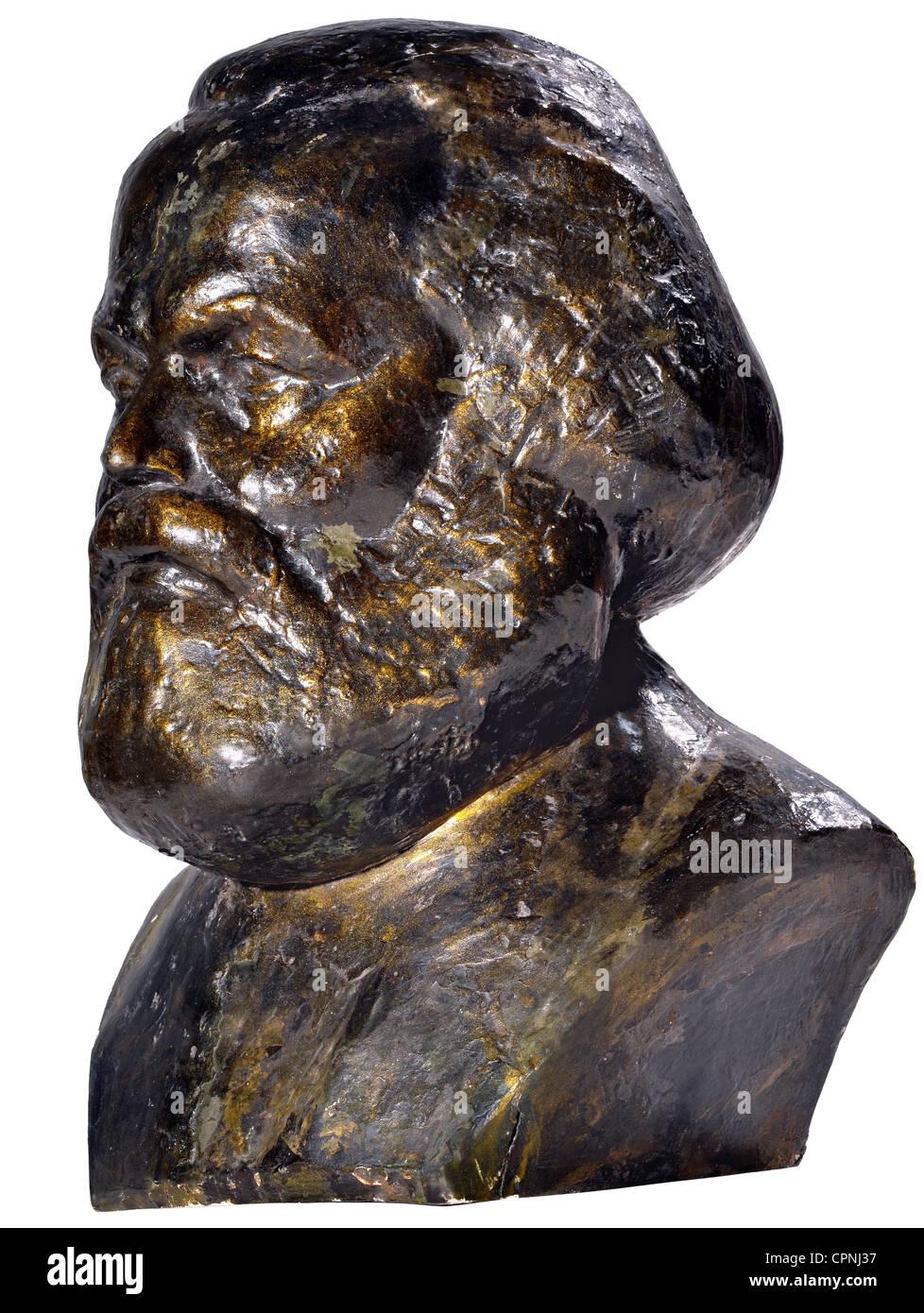 Marx, Karl, 5.5.1818 - 14.3.1883, German philosopher, portrait, plaster bust, bronze painted, on the reverse label: - Stock Image