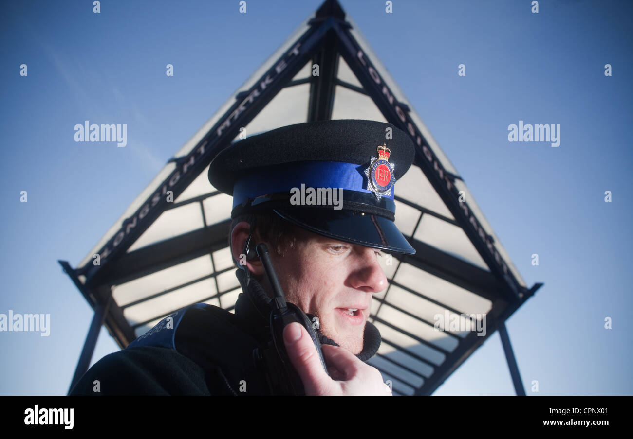 PCSO community policeman at Lonsight Market Manchester - Stock Image